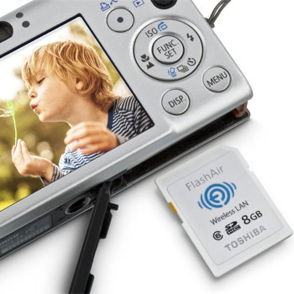 Toshiba FlashAir™ Wireless SD Card, 8GBImage
