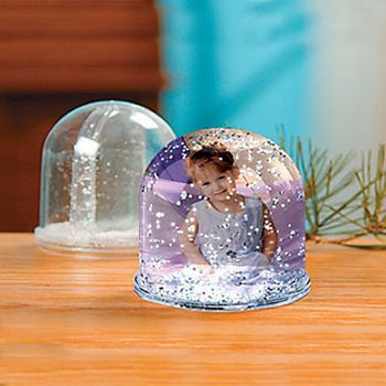 excitingLives Snow Globe Photo Frame