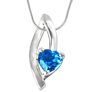SURAT DIAMOND Moonshine Blue Topaz and Silver Pendant with Chain
