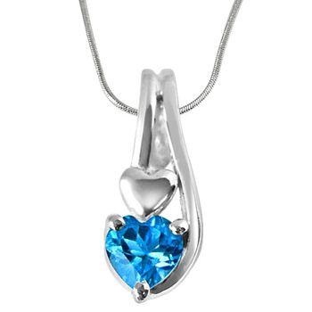 SURAT DIAMOND Heart-Shaped Topaz & Pendant with Chain