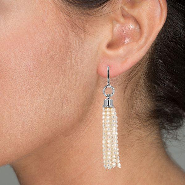 Mia's TASSEL Pearl EarringsImage