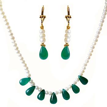 SURAT DIAMOND Green Onyx Necklace & Earring Gift Hamper
