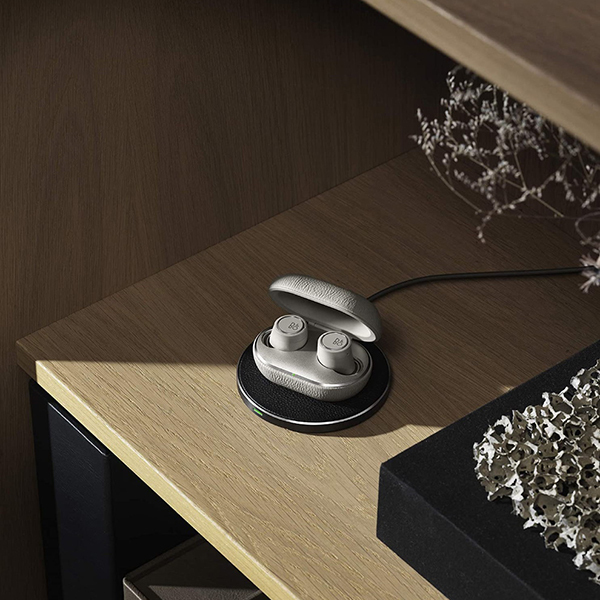 Bang & Olufsen Beoplay E8 3rd Gen Truly Wireless EarbudsImage
