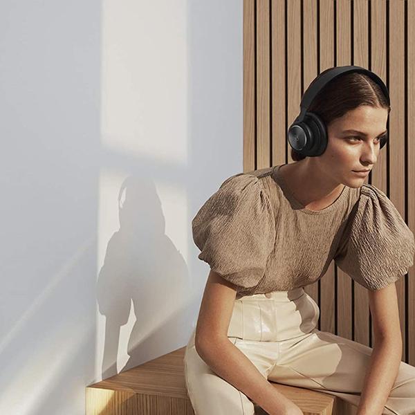 Bang & Olufsen Beoplay H4 2nd Gen Over-Ear HeadphonesImage